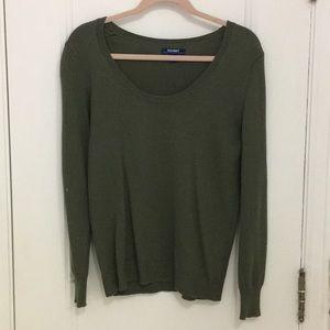 Scoop neck green sweater